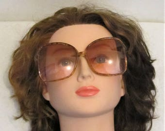 Women's Vintage 80's,GROOVY Oversized Tortoise Shell Shades.