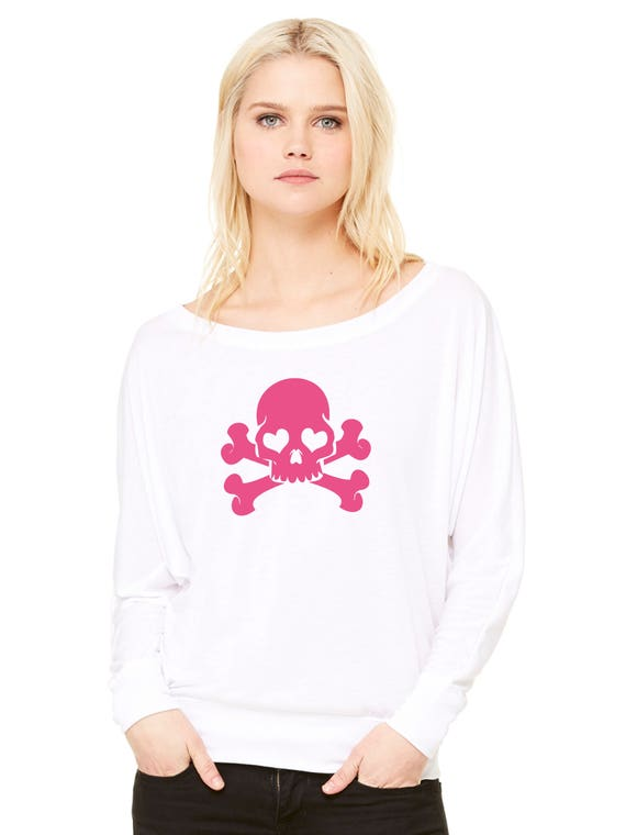 Woman tee with bat sleeves. GLITTER SKULLS