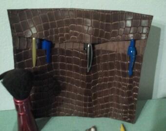 Pencil case, pen, pencil, makeup, pedicure imi Brown crocodile leather clutch
