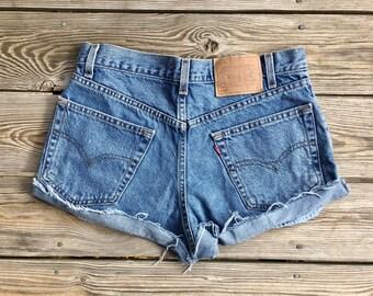 "Shorts de talle alto del Levis de 33"""