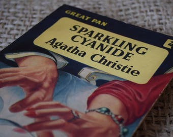 Sparkling Cyanide. Agatha Christie, Great Pan Paperback vintage.
