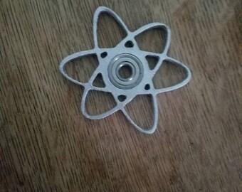 Atom fidget spinner