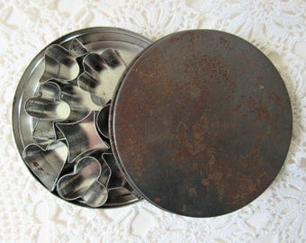 Vintage Cookie Cutter Set.  Rustic Kitchen. Set of 10 Small  Tin Cookie Cutter Shapes. Boxed Set of Cookie Cutters. Pastry or Icing Cutters.
