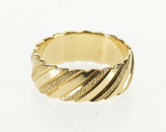 14k Spiral Striped Grooved Textured Weddiing Band Ring Gold