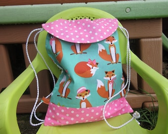 kindergarten kids backpack, straps, small vixens, polka dots, pink green