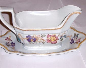 Wedgwood Devon Rose Gravy Boat with Attached Underplate