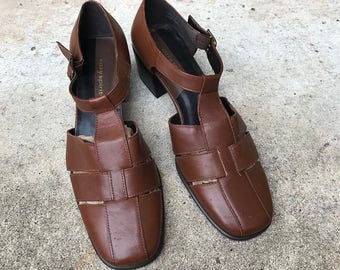 Vintage Brown Leather Mary Janes   T Strap Sandals   US Women's 8 9