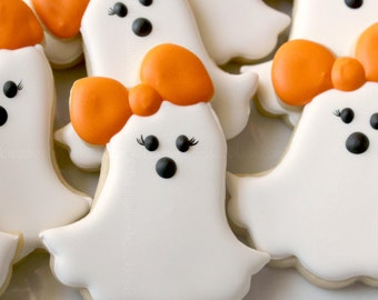 girly ghost cookies casper halloween ghost halloween cookies kids halloween ghost