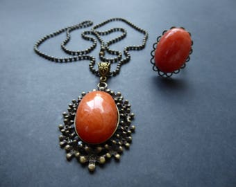 Set orange agate necklace and ring