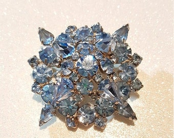 ON SALE : Vintage Double Stacked Baby Blue Rhinestone Pin Brooch