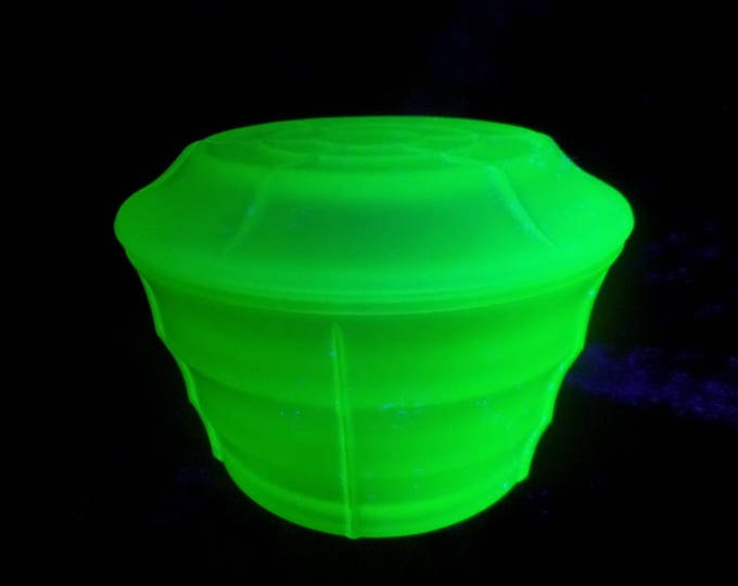 Uranium Green Glass Trinket Pot, Spiders Web Pattern, Frosted Pressed Glass Pot, Matching Pieces In Stock, Immaculate Condition, 2 Sizes!