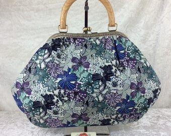 Flowers Mauvey Betty frame bag wooden handle handbag purse handmade in England