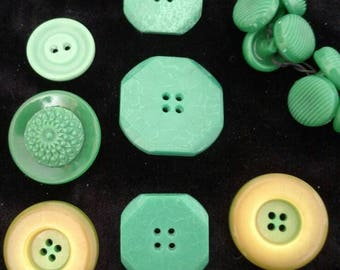 Collection of Vintage Green Bakelite Catalin and Plastic Buttons/ Art Deco Buttons/ 1930s-1950s Buttons/ Retro Fashion/ Costume Designers