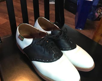 Vintage Women's Black and White Leather Bass Saddle Shoes Size 9.5M