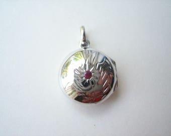 Sterling silver locket, 20mm silver, round silver locket, small silver locket, etched sterling locket, domed silver locket, locket pendant