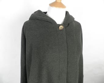 Vintage Green Hooded Loden Wool Cape   Size S