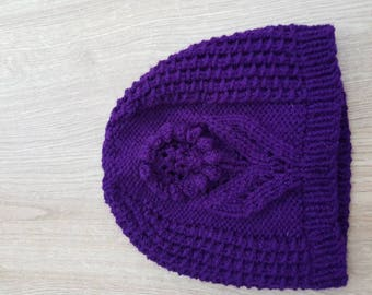 Ladies beanie hat.
