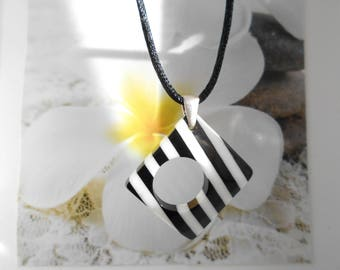 short necklace square pendant, black and white