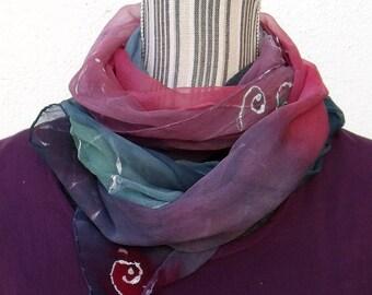 """Etole en mousseline de soie peinte à la main, unique, élégante, aérienne, hand painted silk scarf """"A fleur de peau"""" (8)"""