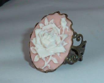 bague victorienne, camée fleurs, camée victorien, bronze, camée rose et blanc, bague rétro, victorian ring, cameo ring, camée rétro, shabby