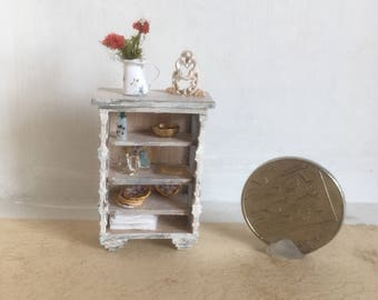 1:48 Quarter Scale Shabby Chic Cabinet