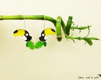 "Tropical toucan ""Flocki"" leather earrings"