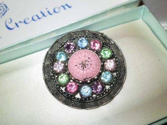 Beautiful vintage Czech Art Deco filigree metal pink rhinestone glass brooch