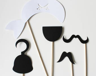 Set of 5 pirate birthday Photobooth - black and white accessories