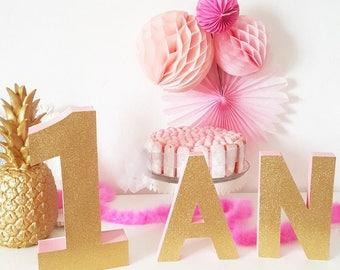 LOT- 1 an -lettre peinte+ une face glitter - décoration anniversaire-candy bar -rose et doré