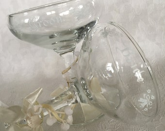 Vintage 1970 Bride and Groom Champagne Glasses by Treasure Masters