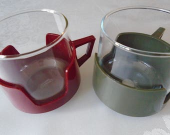 Pyrex glasses/cups in plastic holders