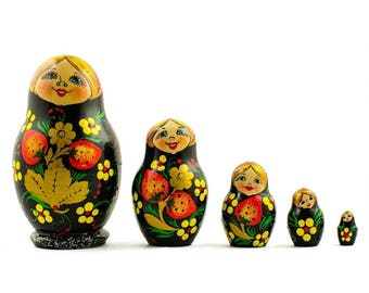 4'' Set of 5 Strawberries Wooden Russian Nesting Dolls