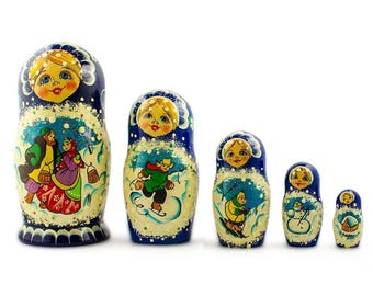 6.5'' Set of 5 Family Christmas Celebration Wooden Russian Nesting Dolls