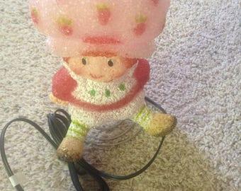Vintage strawberry shortcake lamp nighlight