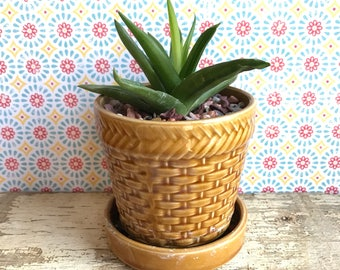 faux-wicker ceramic flower pot planter