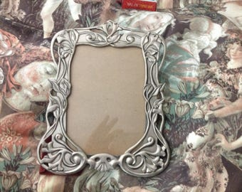GOTHIC like Frame with Calla Lilies and A skull Mourning picture Frame