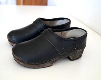 Wood clogs Boho shoes Vintage wooden clogs Eur 29 Swedish Rustic Kids Girls Boys shoes Clogs Black shoes Scandinavian Platform Clogs Sandals