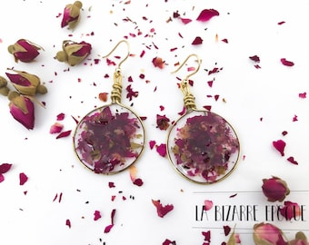 Pendant earrings with red rose petals broken resin-botanical jewellery-women nature lovers-resin jewellery