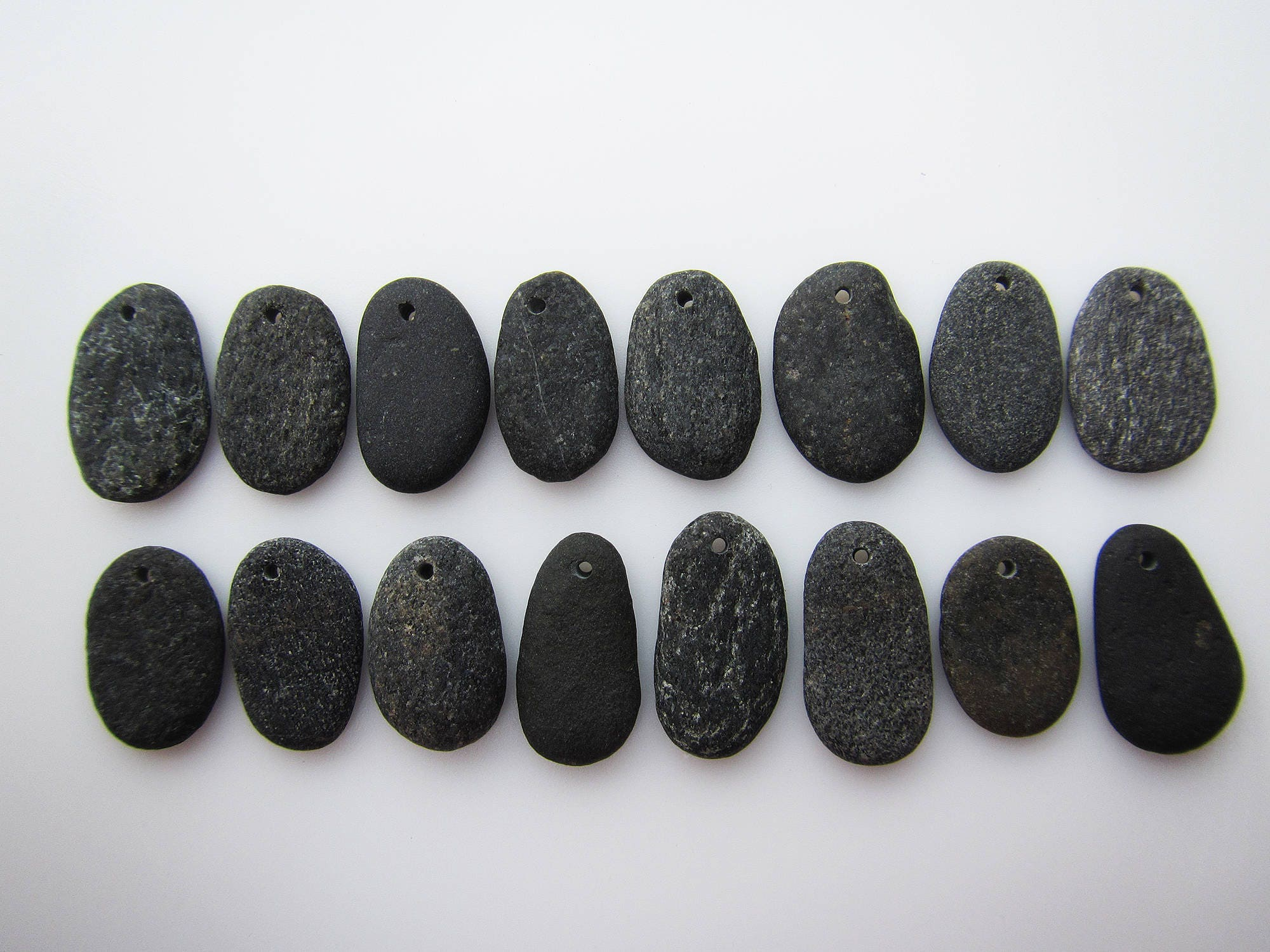 Flat pebbles for crafts - Sold By Designedbysandycoast