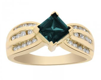 1.00 Carat Princess Cut Alexandrite and Round Cut Diamonds Ring 14K Yellow Gold