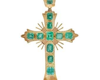 5.00 Carat Vintage Columbian Emerald Cross Pendant 18K Yellow Gold