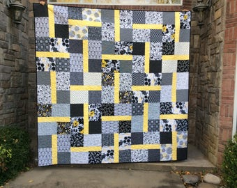 Queen Sized Quilt, Black and White, Yellow, Modern Quilt, Bed Blanket, Queen Bedding