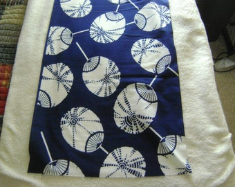 Vintage Japanese White/Blue Cotton Kimono Fabrics with a Rattle/Lantern/Print for Crafting or Sewing or Sashiko Embroidery