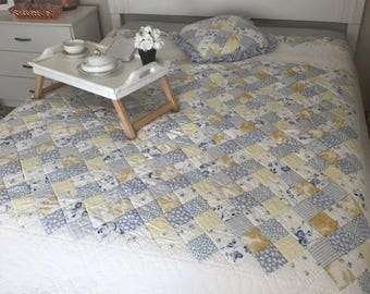 """Beautiful Vintage Duvet Cover Floral Quilt With Pillow By Linens N Things  Blue, White and Yellow 93""""L X 86""""W Reversible patchwork"""