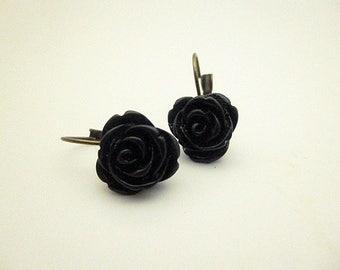 Black resin Flower Earrings