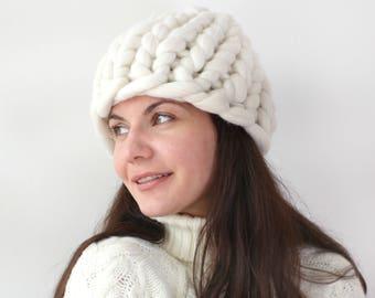 Chunky knit hat, White Chunky Hat, Winter Hat, Merino Wool hat, Knitted hat, Women wool hat, Beanie hat, Red Chunky hat,Beanie, Helsinki hat
