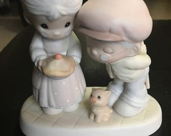 Sweeter as the Years Go By Precious Moments 1996 Enesco porcelain