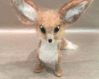 Needle felted fennec fox, wool fox, felted fox ornament, felted fox decor, felted animal decor, Waldorf animal, fox figurine, fox sculpture