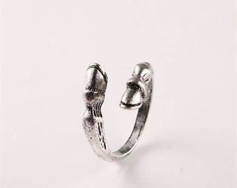 Resizable Horse Hoof Ring