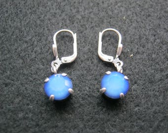 1 Pair of earrings silver-colored with blue stone, fashion jewelry, Hadelsware ca. 1970 Germany